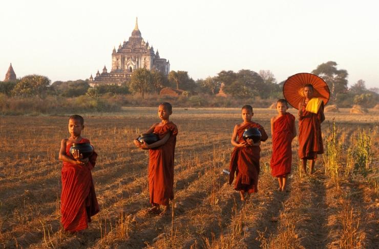 Mondo otsib kaht vabatahtlikku Birmasse