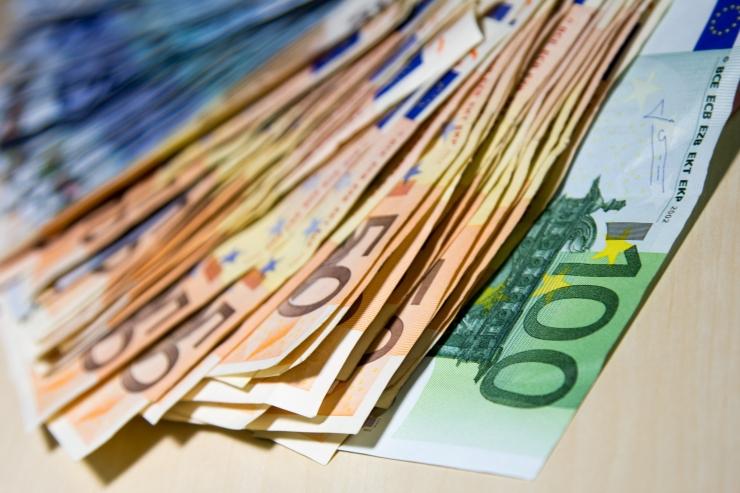 Kultuuritöötaja plaanitav miinimumtöötasu on uuest aastast 1250 eurot