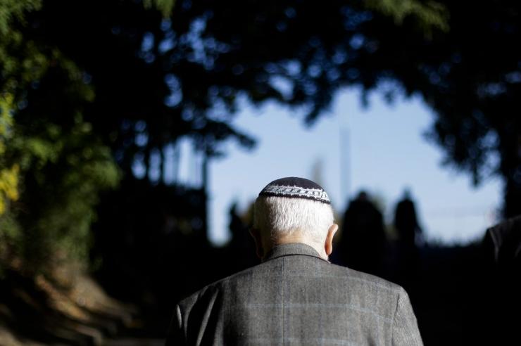 Saksa juutide juht soovitas avalikes kohtades rahvuspeakatet varjata