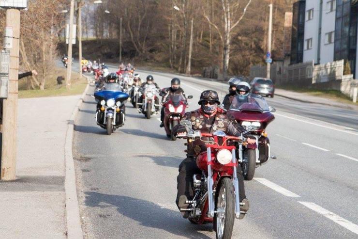 Venemaa motokaskadöör annab Tallinnas tsiklietenduse
