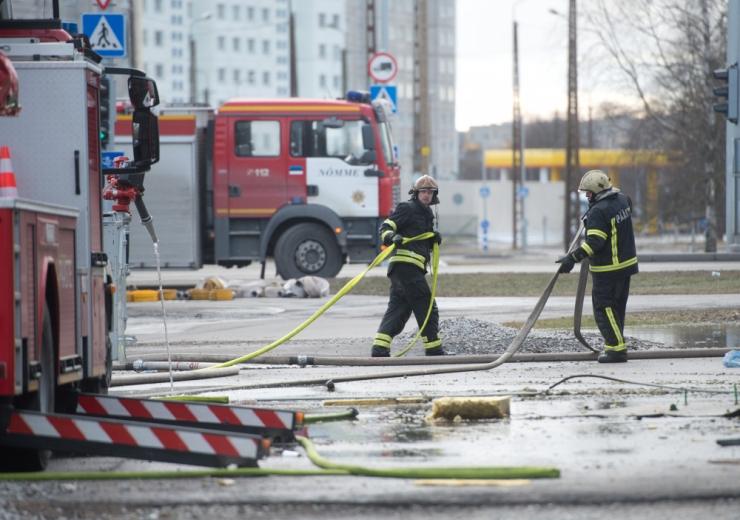 PÄÄSTJAD: Prügijaama põlengust leviv suits pole mürgine