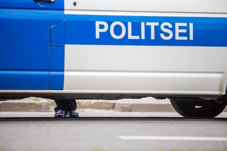 Narvas said joobes juhti jälitanud politseinikud kergelt vigastada