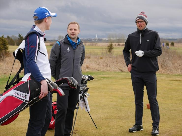 """FOTOD JA VIDEO! Tallinna TV """"Spordisõbrad"""" astusid vastu Eesti golfiprofile"""