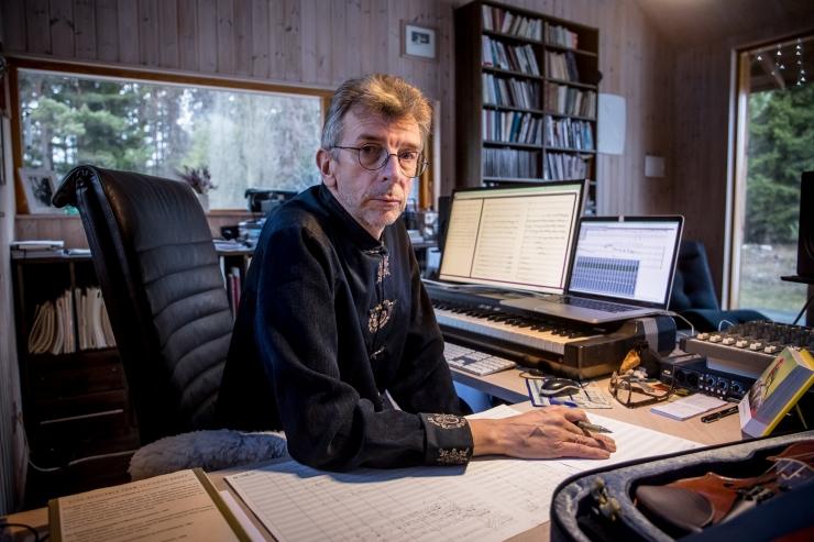 Tallinna Kammerorkestri hooaja lõpetab Erkki-Sven Tüüri viiulikontserdi maailmaesiettekanne