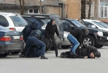 Politsei kõrvaldas Narvas narkolabori