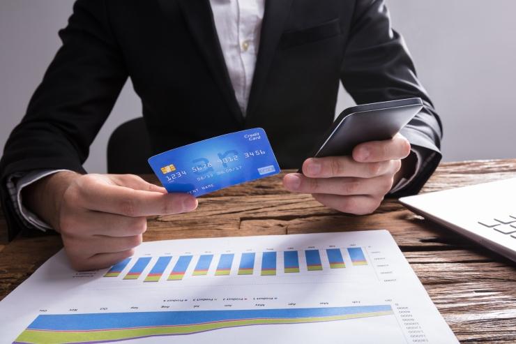 Tarbijakaitseamet tuvastas puudusi pea iga e-poe müügitingimustes