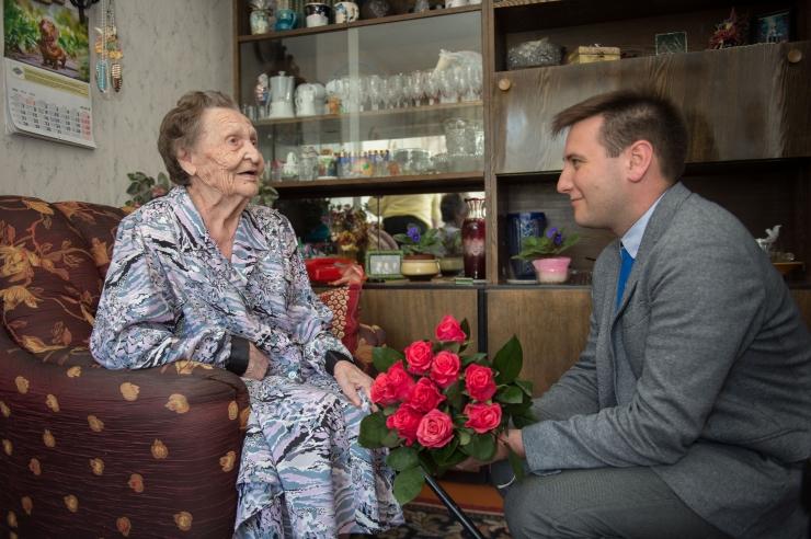FOTOD! Endine õpetaja tähistas 101. sünnipäeva