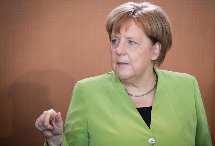 Merkel: Euroopa kolmik teeb kõik, et Iraan järgiks tuumalepet
