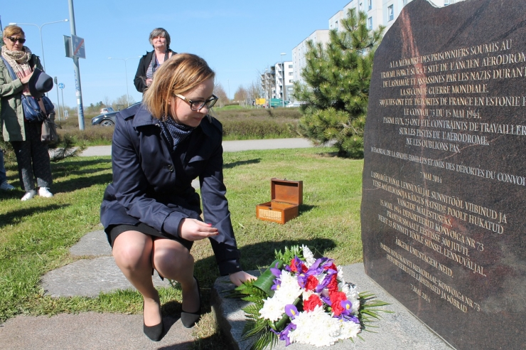 Lasnamäe juhtkond mälestas sõjas hukkunuid