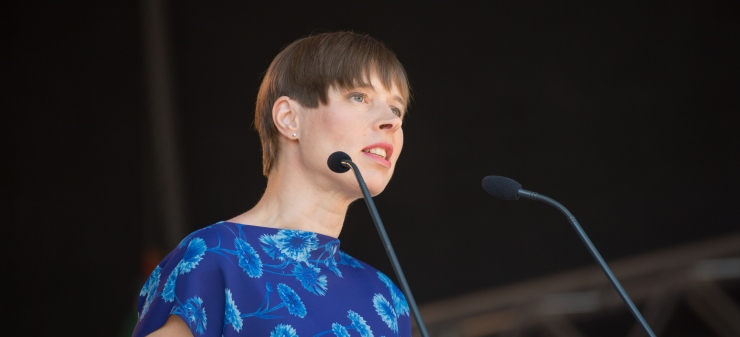 President Kaljulaid emadepäeval: kõik saavad emade heaks rohkem teha