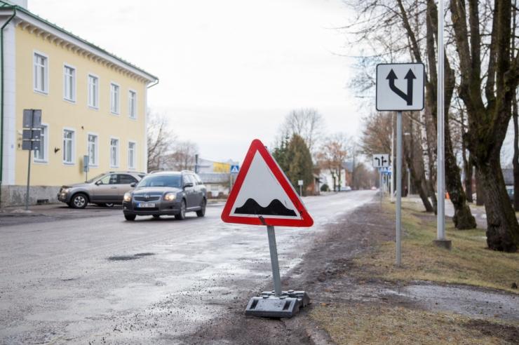Kohus: auklikul teel auto lõhkumise vältimiseks peab kiirust vähendama