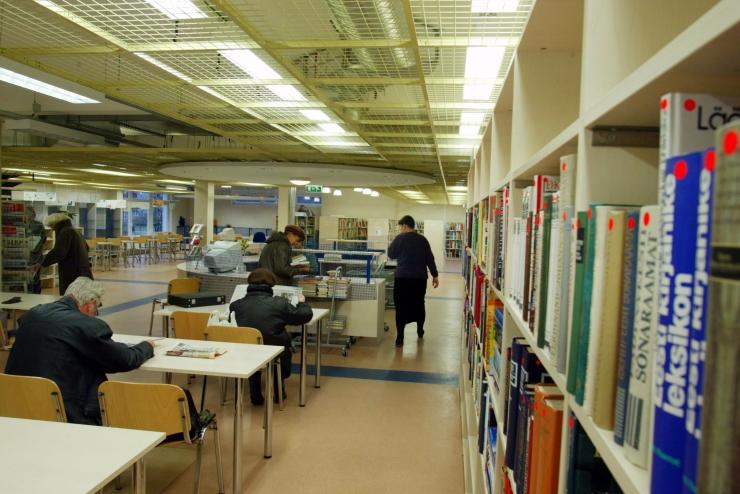 Tallinna Kännukuke raamatukogus saab nutiteadmisi koguda eesti ja vene keeles