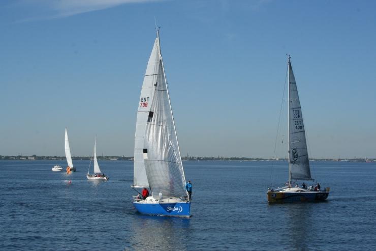 FOTOD! Tallinna lahel peeti mereakadeemia purjeregatt Tuulelind Cup