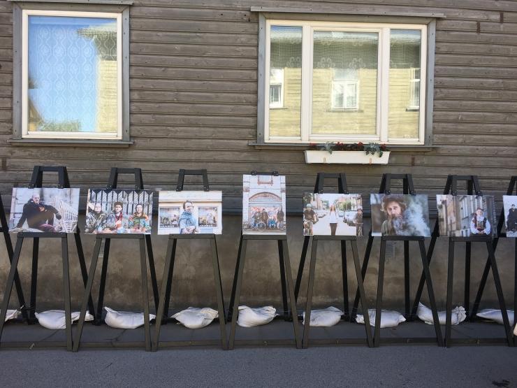 Õhus on Kalamaja: Põhja-Tallinnas avati pop-up fotonäituste sari