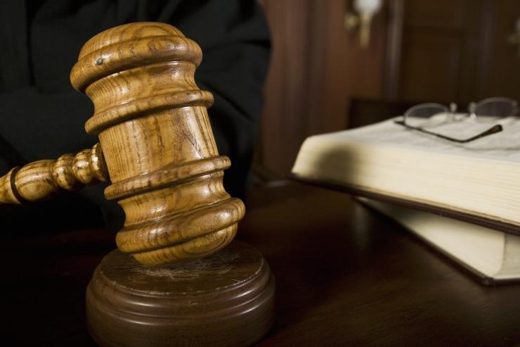 Kohus mõistis elukaaslase tapmises süüdistatud naise õigeks