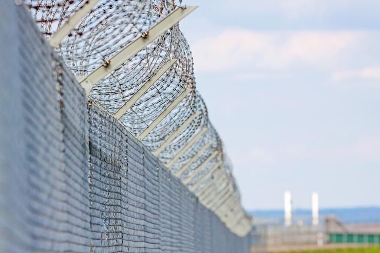 Seadusemuudatus annab võimaluse korduvkurjategijad eluks ajaks vangi panna