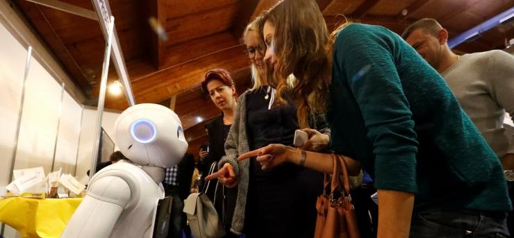 IT-ekspert: me ei tohi robotitele õpetada iganenud stereotüüpe