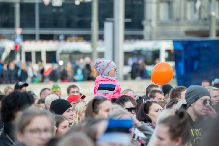 Homme heisatakse Eesti lipu 134. sünnipäeva puhul sinimustvalged Eesti lipud