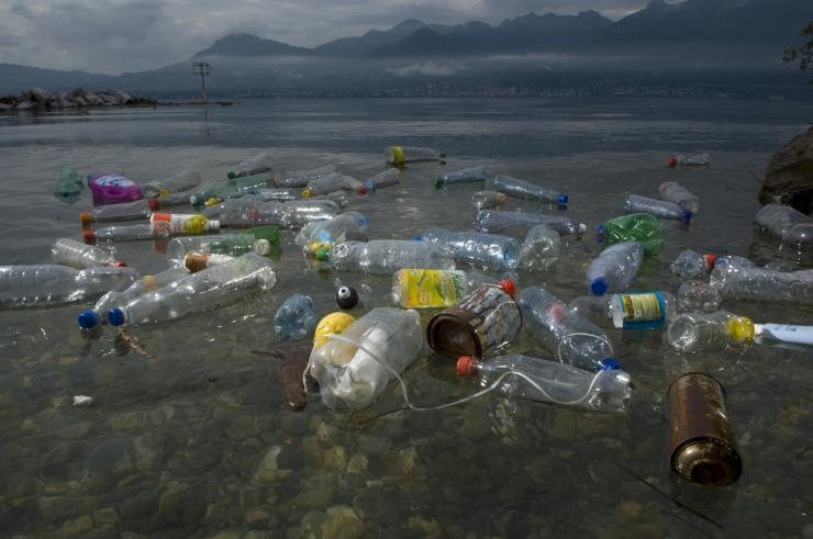 """MAAILMA LOODUSE FOND: Vahemeri võib muutuda """"plastikumereks"""""""