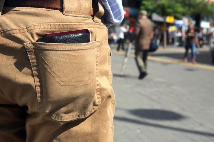 Politsei hoiatab taskuvaraste eest