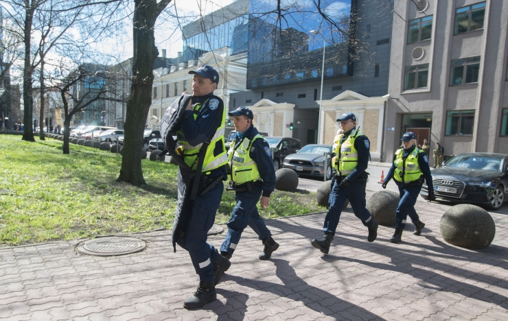 Politsei pidas Pärnus kinni korterisse barrikadeerunud mehe