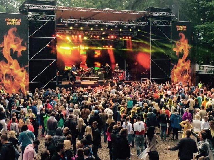 Võimas elamus garanteeritud! Pühajärve Jaanitule lava loob Weekend festivali produktsioonipealik