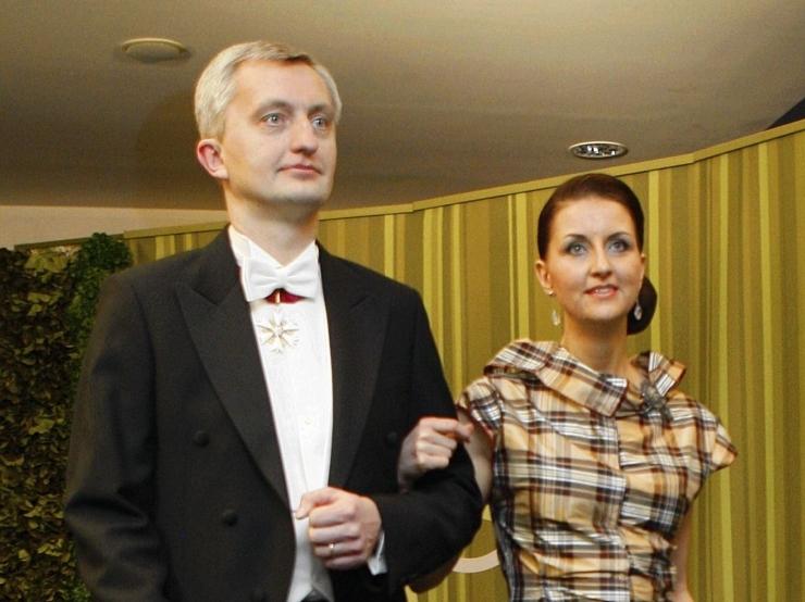Perekond Neivelt kinkis Eesti Muusikanõukogule iga-aastaseks interpretatsioonipreemia väljaandmiseks tähendusrikka toetuse