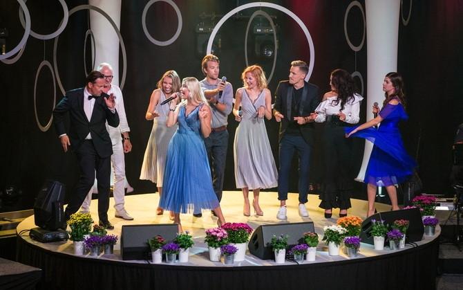 """Tule koos Eesti ja Islandi presidendiga heategevuslikule kontserdile """"Laulud sõdurile""""!"""