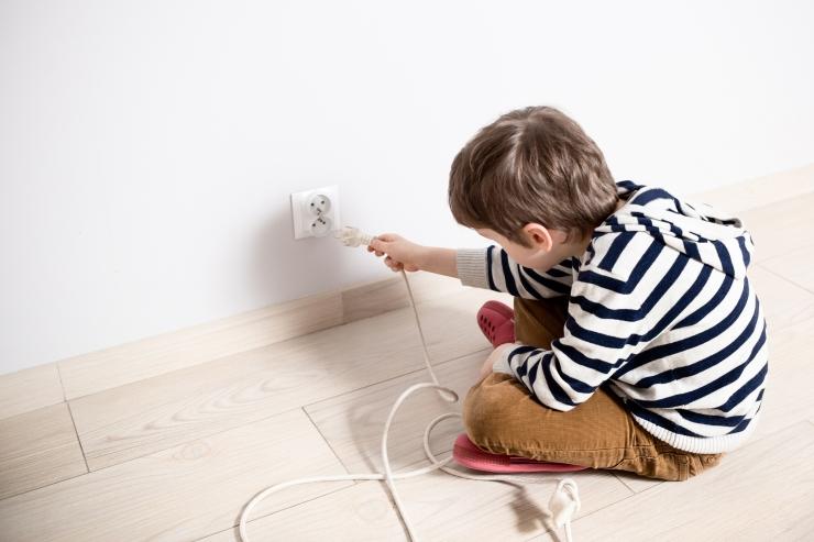 Elektrilevi: Enamik elektriõnnetusi toimuvad kodus ja väikelastega