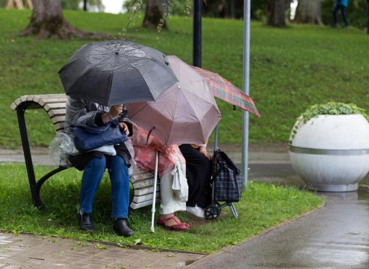 Esmaspäev toob veel jahedust ja vihma