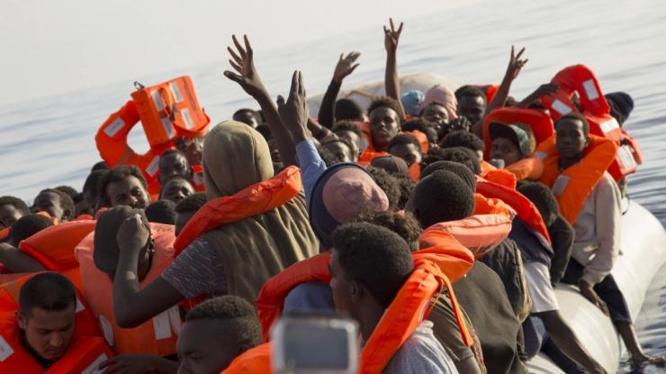 Itaalia ei luba Malta vetes oleval migrandilaeval oma sadamas randuda