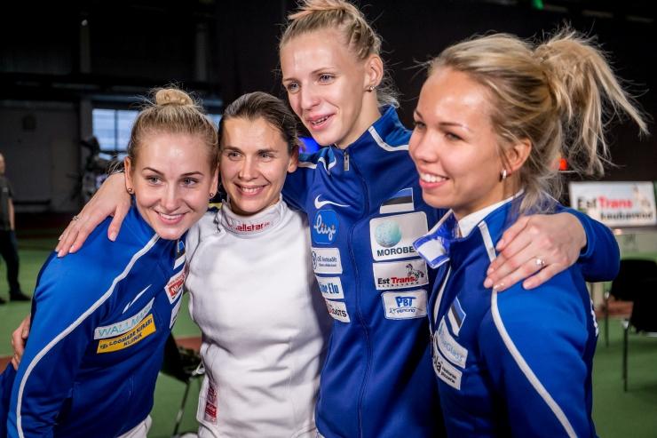 Tallinn premeerib edukalt võistelnud naisvehklejaid Erika Kirpu ja Irina Embrichi