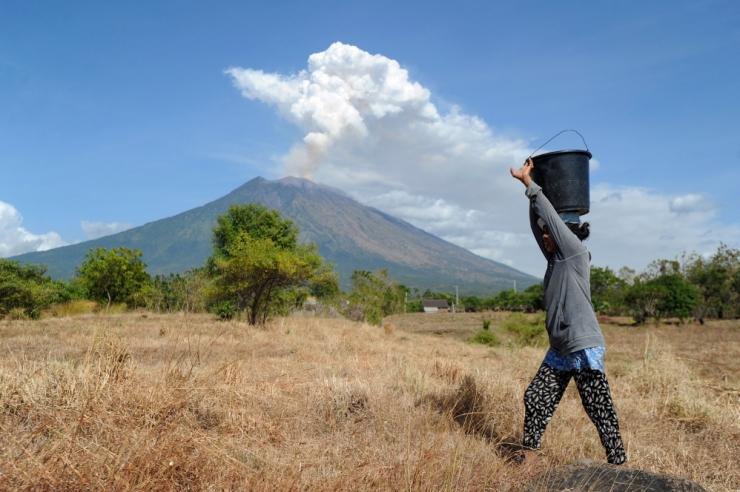 Bali vulkaanipurse häirib lennuliiklust