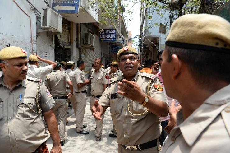 Indias hukkus bussiõnnetuses vähemalt 30 inimest