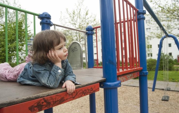 Riigikogu sotsiaalkomisjon võtab laste turvakodudes hoidmise luubi alla