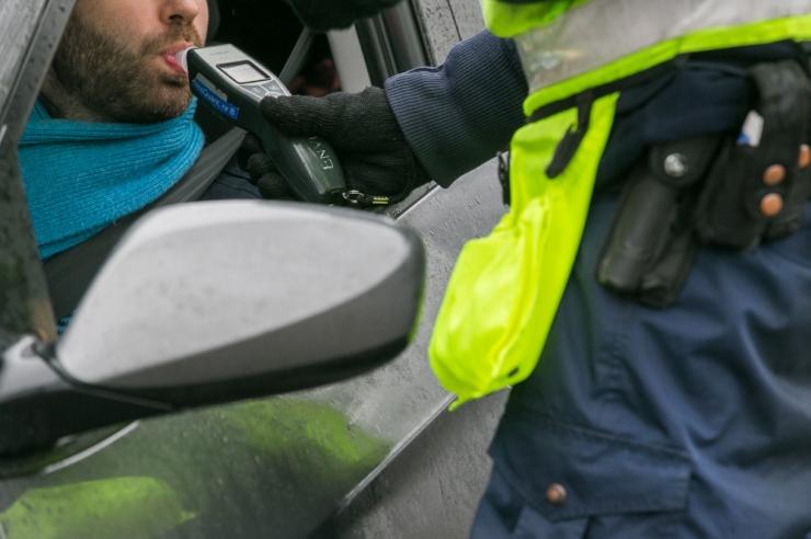 Politsei tabas ööpäevaga 25 joobes sõidukijuhti