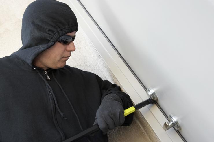 Kuidas puhkusele minnes kodu turvalisus kindlustada?