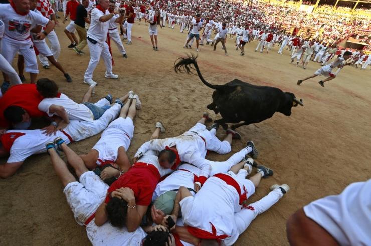 Pamplona härjajooksul sai kolm inimest kergelt viga