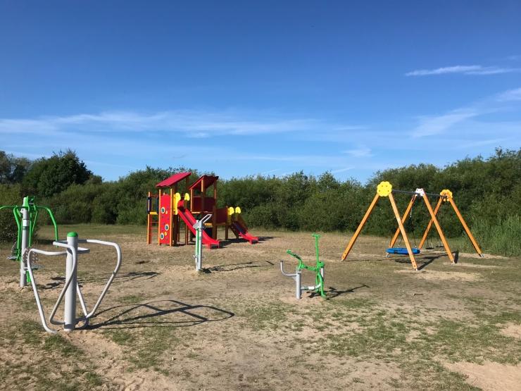 Harku järve äärde rajati mänguväljak