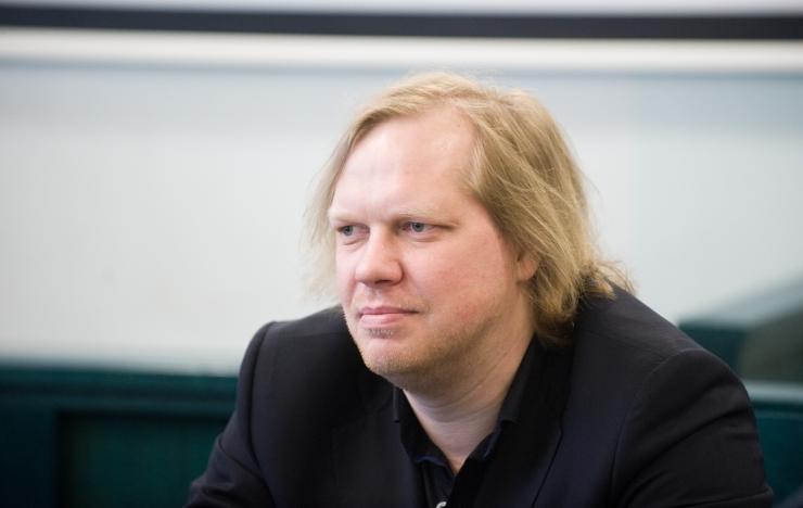 Politsei otsis advokaat Sillari büroost Hubert Hirvega seotud pabereid