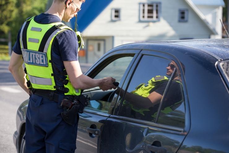 Politsei tabas ööpäeva jooksul 24 joobes juhti