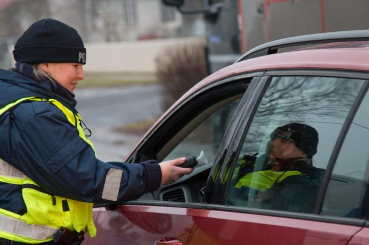 Politsei tabas ööpäevaga 14 joobes sõidukijuhti