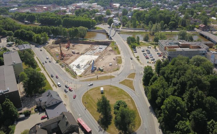 Narva maantee ja Pärnamäe tee ristmik on täna pärastlõunast liiklusele avatud