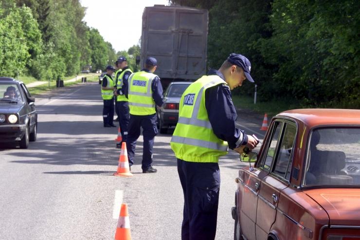 Politsei tabas ööpäevaga 11 joobes sõidukijuhti