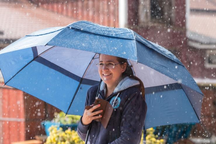 Väga soe neljapäev pakub ka vihmasadu