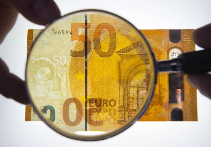 Aasta esimeses pooles võeti ringlusest maha 301 000 võltseurot