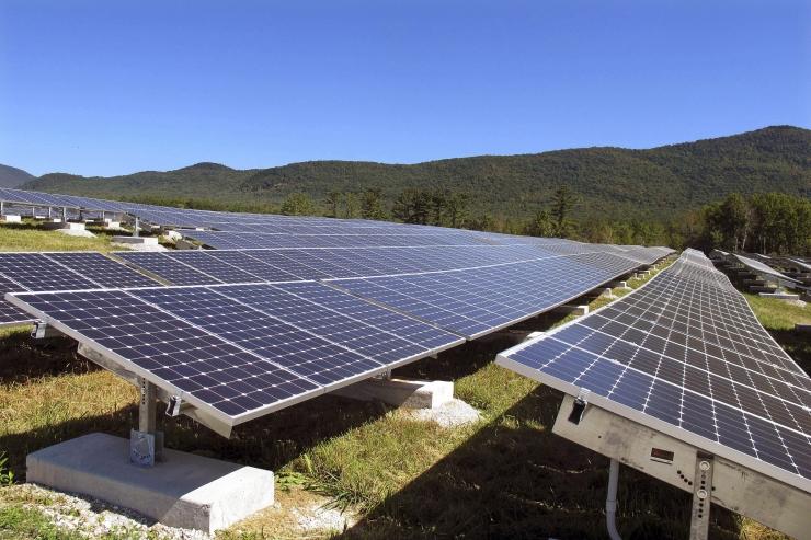 TAASTUVENERGIA VÕIDUKÄIK: Võrku antud päikeseenergia toodang esimesel poolaastal kahekordistus