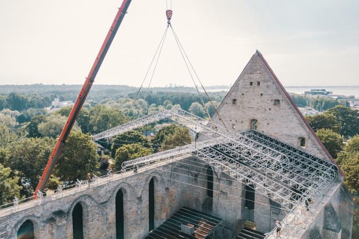 FOTOD JA VIDEO! Pirita kloostri varemed said katuse pea kohale