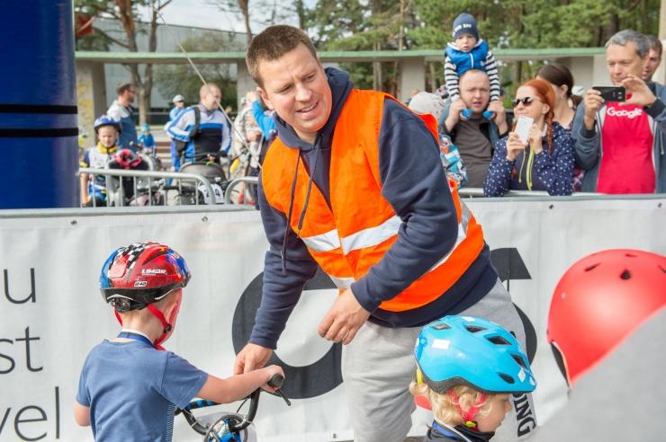 Ratas osaleb koos Soome valitsusjuhiga Eesti-Soome jalgrattasõidul