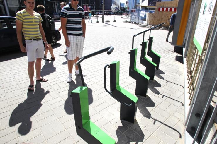 Tallinnasse paigaldati viis elektroonilist jalgrattaparklat